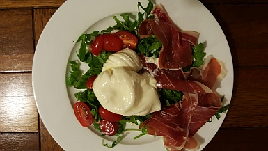 Burrata and salad for dinner