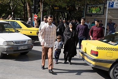 Crossing the road in Esfahan