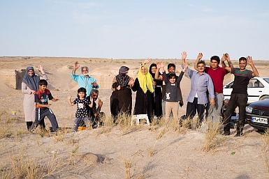 Picnic in the Maranjab Desert