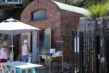 Drift Cafe (Kiosk) in Chowder Bay