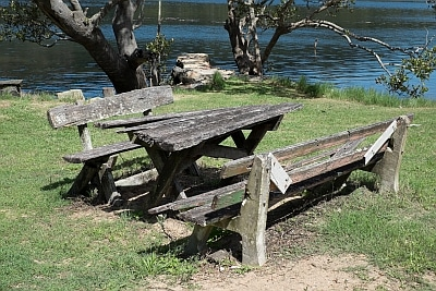 Relaxing on the shores of Patonga Creek