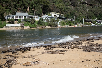 Water access homes on Patonga Creek