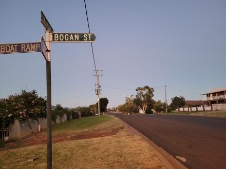 Early Morning walk in Lake Cargelligo. Bogan Street.