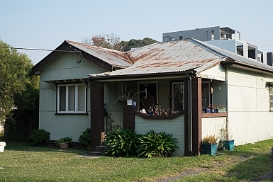 Home in Toongabbie