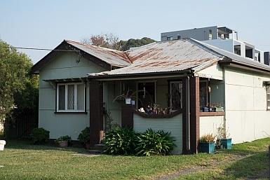 Home in Toongabbie